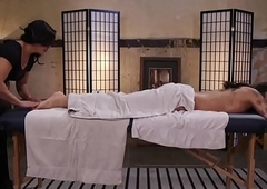 TS beauty greased and massaged by feetloving babe