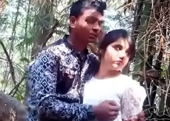 jungal me mangel enjoy little shaver with girlfriend