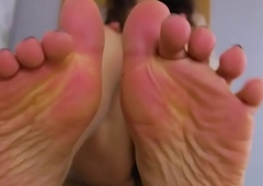 Feetfetish in the land of the living sensitive wireless arches her foot