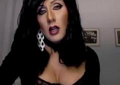 Very Erotic Shelady Cougar Masturbating