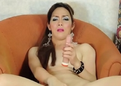 Of age oriental tranny tugs on her ding-dong