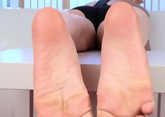 Spex shemale strips her shoes