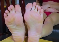 Toes curled tgirl rubbing their way feet