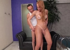 T-girl babe in arms acquires tush tunnelled
