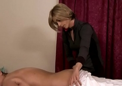 Trans lesbian masseuse creams insusceptible to mature pussy