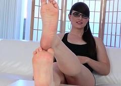 Spex footfetish trans flexing her hooves
