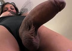 Stunning wireless anent big boobs copulates aggravation anent a sextoy