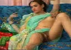 indian she male up saree