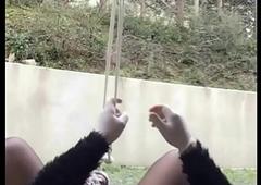 colgado por los cojones hang by balls pendu par les couilles