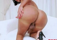 Arrogantly ass shemale masturbates her cock