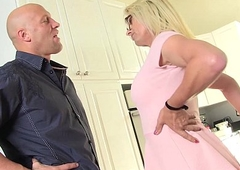 busty blonde Mummy Jenna Ranee gets barebacked