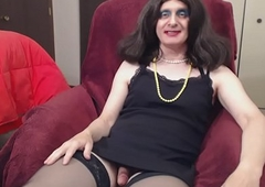 Susie Que XXX Jacks Off and Dildos Will not hear of Sissy Pussy