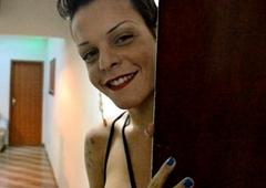 Giovanna Confining Priv&ecirc_